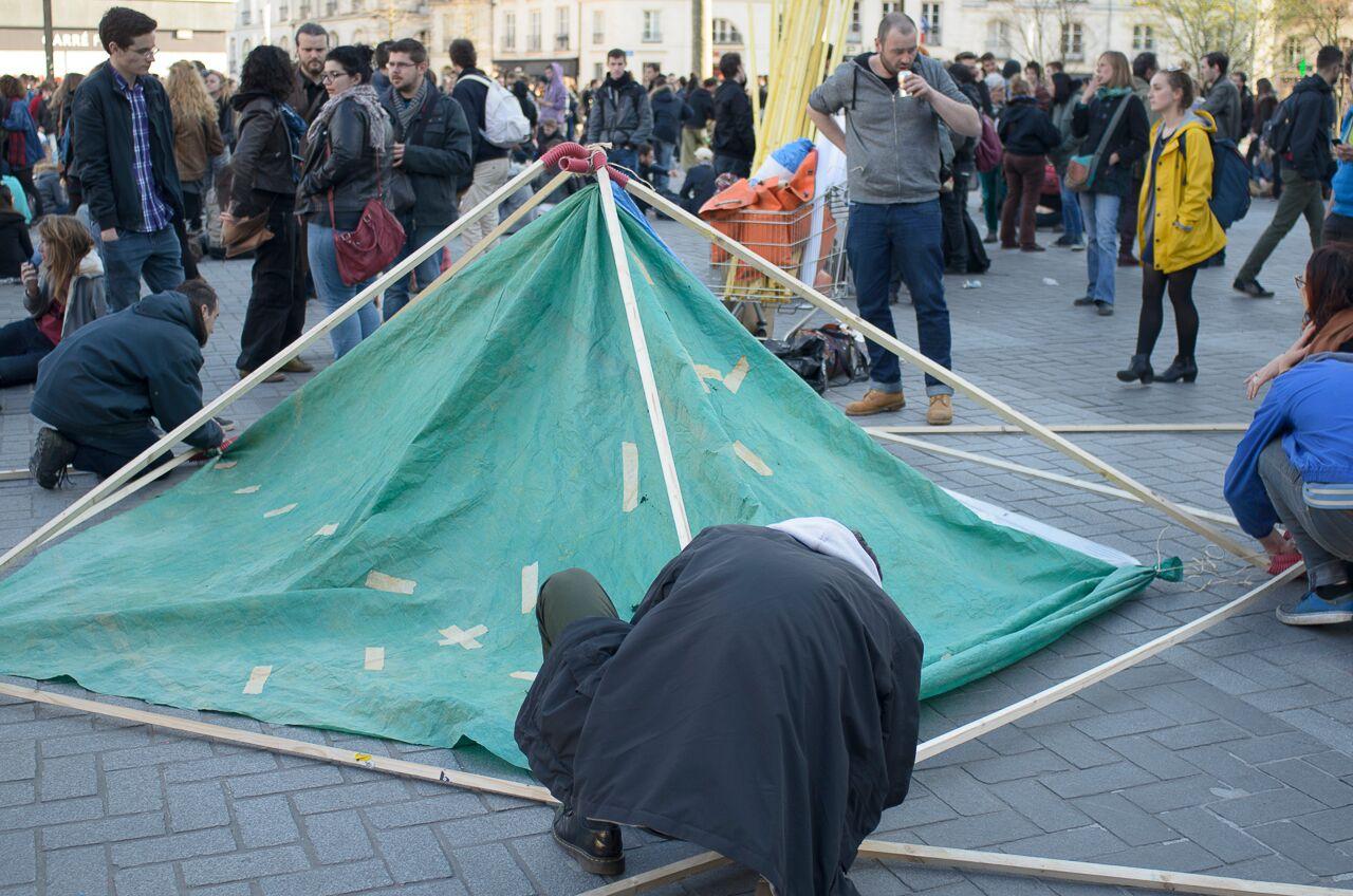 Le 5 avril, un appel à occuper la Place du Bouffay a été lancé pour une première Nuit Debout à Nantes.