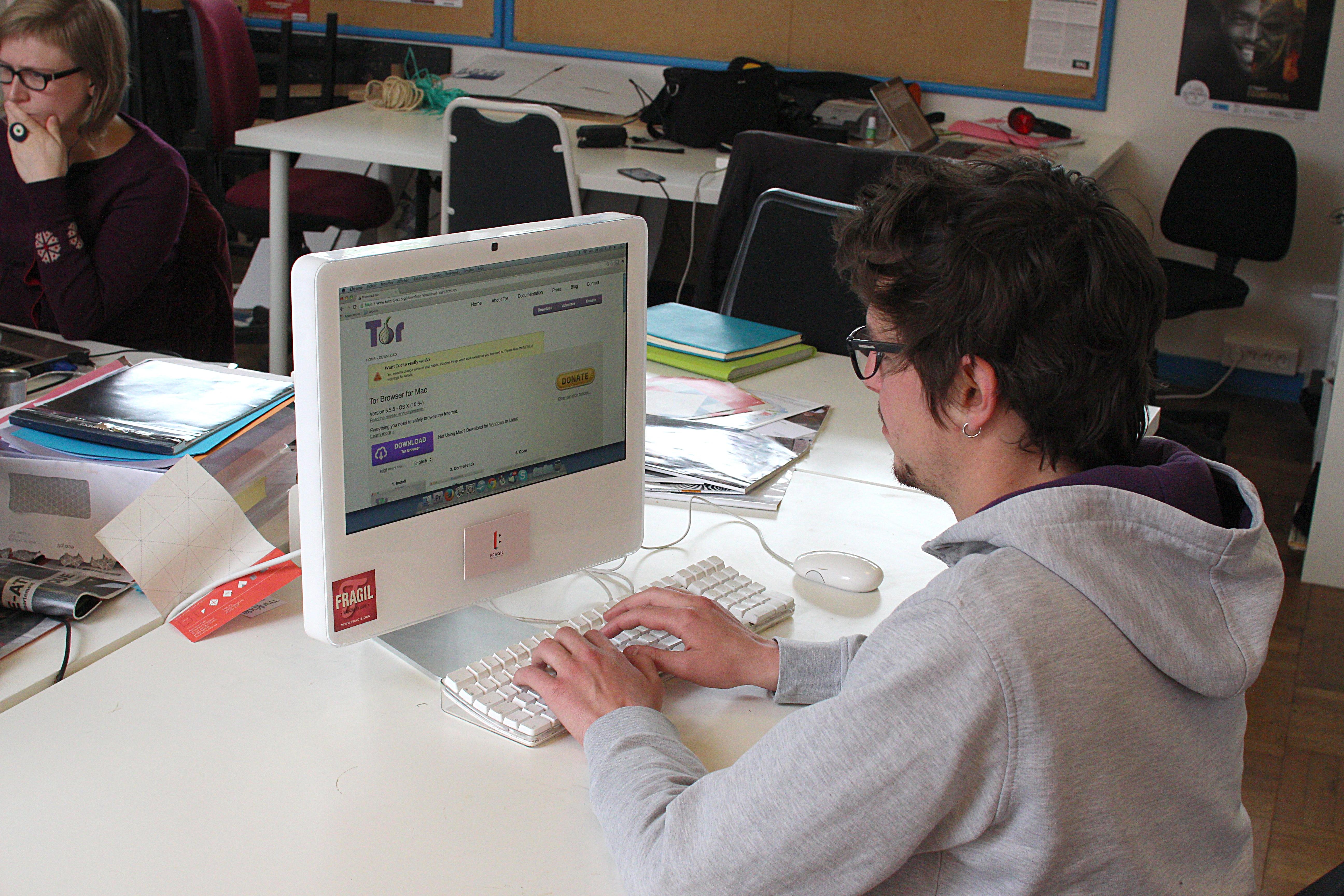 notre ordinateur laisse plein d'autres traces sur le web, qui sont autant de critères d'identification