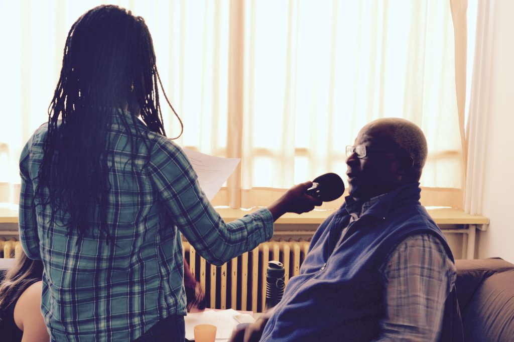 L'éducation aux médias passe par la pratique journalistique. Interview pour le projet Entre les lignes
